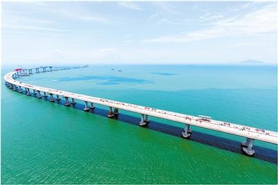 港珠澳大桥年底具备通车